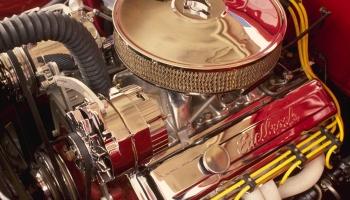 Какое масло лучше заливать в старый двигатель?